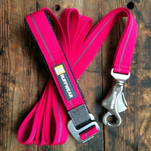 ruffwear flat out wildberry