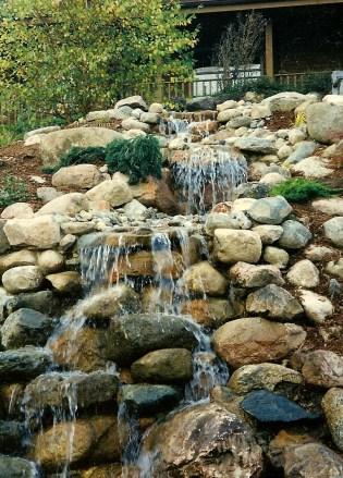 Village_Landscape_Pond_Water_Feature61