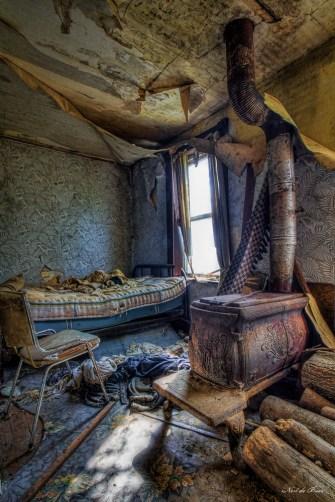 Sinking farm house-5