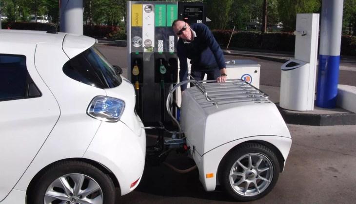 Van, aki így képzeli el a villanyautózást hosszabb távon - nem ez a jó megoldás.