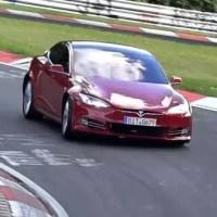 Videón a Tesla nürburgringi tesztjei