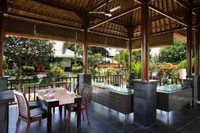 Villa L'Orange Bali - reception and dining area