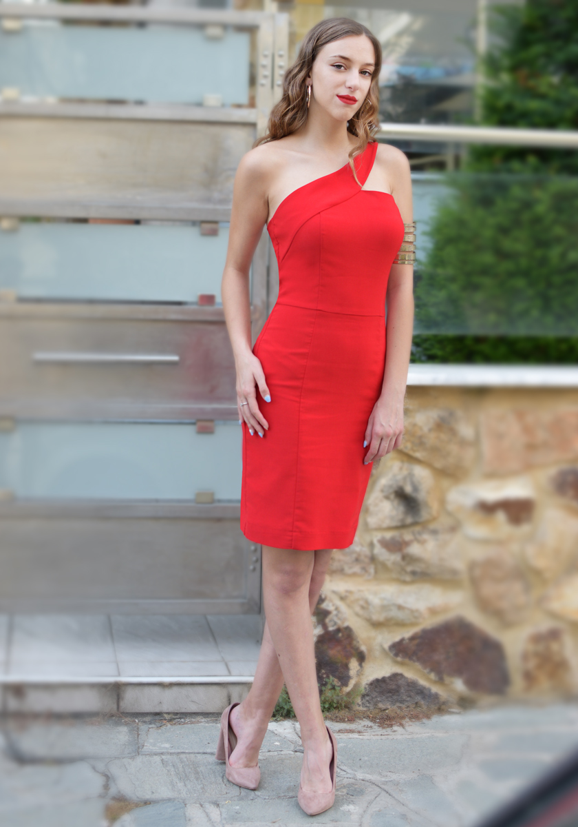 ONE SHOULDER RED DRESS