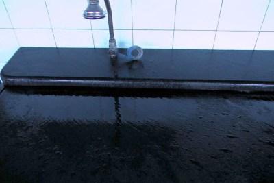 detalle-de-lavabo-de-pizarra-de-villar-del-rey