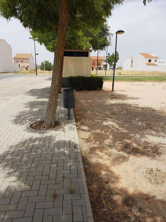 papeleras nuevas barrio Don Quijote
