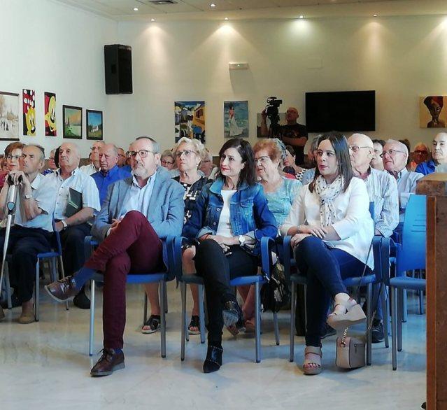 Alberto González asiste al Fin de Curso de las actividades del Centro de Mayores
