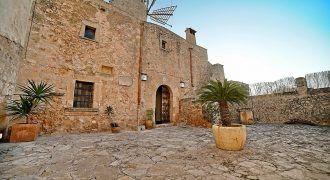 Renoviert Mühle zu vermieten mit Pool in Algaida