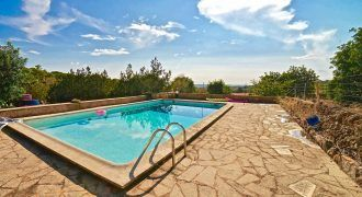 Country house to rent with swimming pool in Santanyi