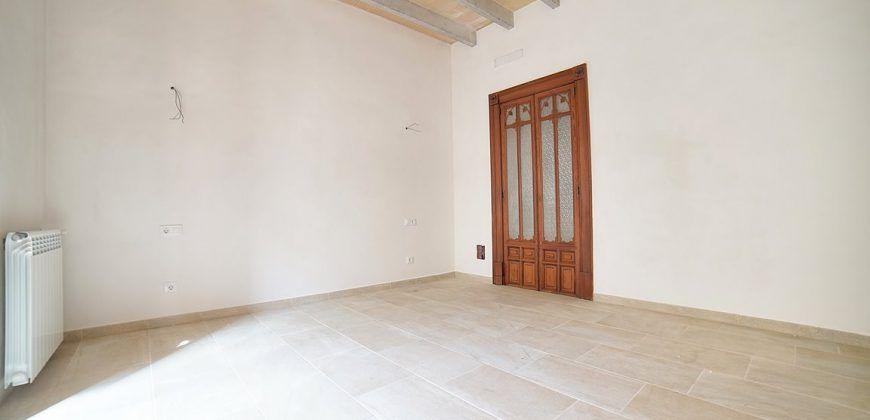 Casa de pueblo en alquiler con patio y completamente reformada en Ses Salines