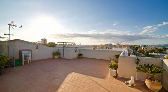Penthouse for sale with sea views in Colonia de Sant Jordi