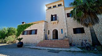 Country house for sale in Es Llombards