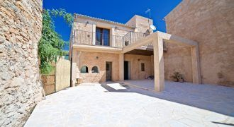 Beautiful town house to rent in Es Llombards
