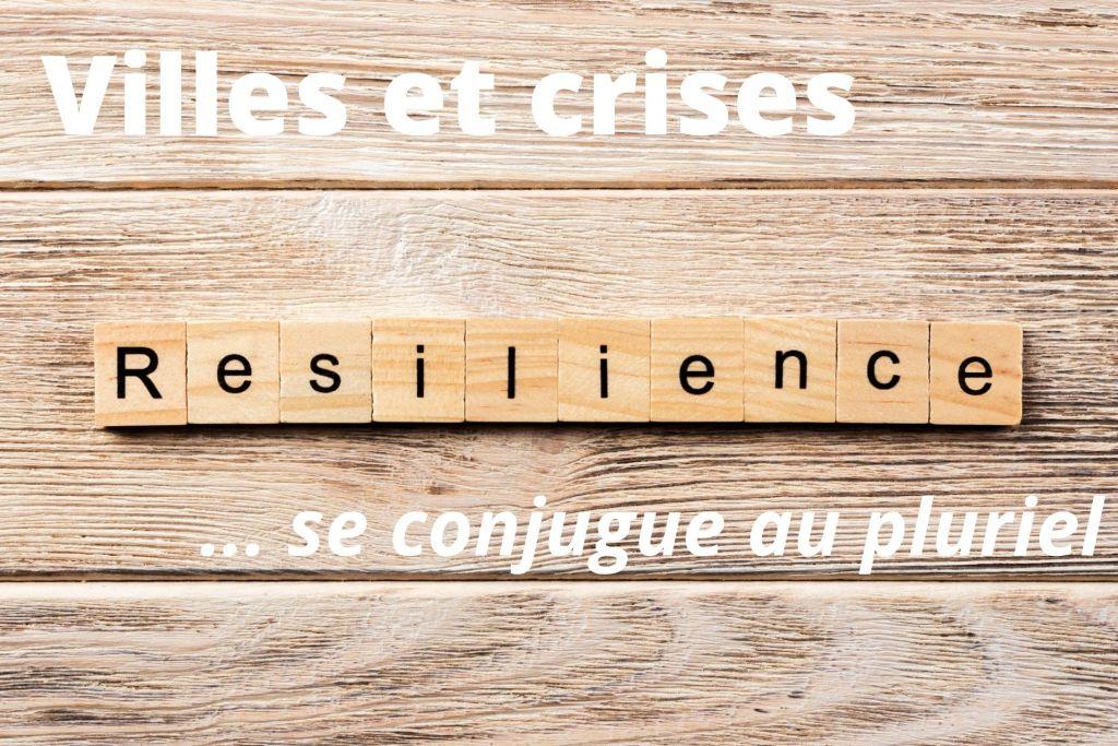 Lettres en bois formant le mot résilience