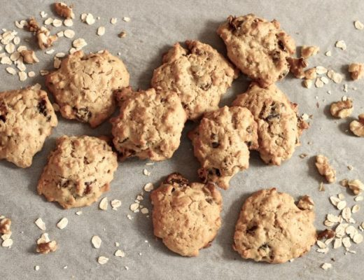 date walnut and oat cookies