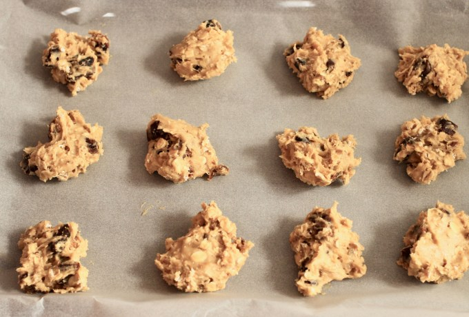 date oat and walnut cookies