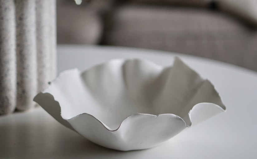 Tillverka skålar av lera