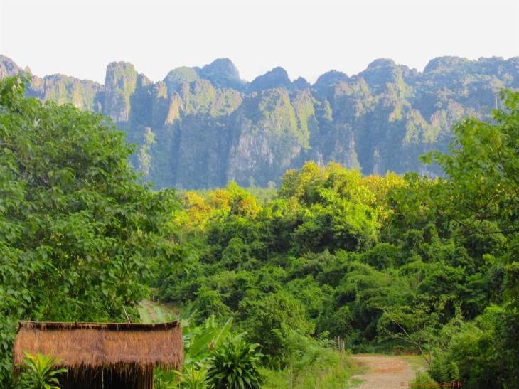 Laosin luontoa Vang Viengissä
