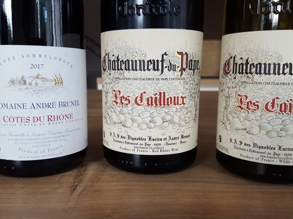 Etiquettes bouteilles domaine Les Cailloux