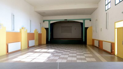 intérieur salle des fêtes Vinassan