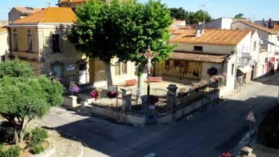 square de Vinassan vue d'en haut