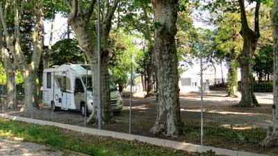 place aire de camping car Vinassan
