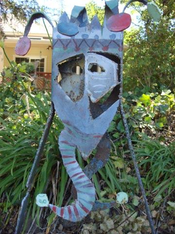 Patrick Amiot sculpture, Sebastopol, CA on July 7 2009 17