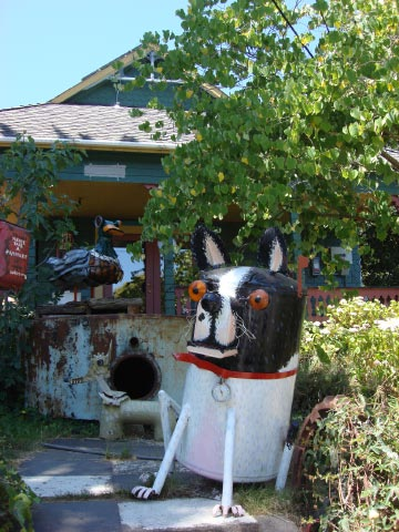 Patrick Amiot sculpture, Sebastopol, CA on July 7 2009 37