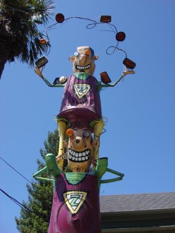 Patrick Amiot sculpture, Sebastopol, CA on July 7 2009 5