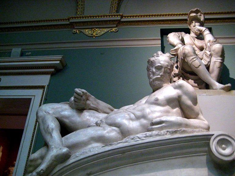 800px-Tomb_of_Lorenzo_de'_Medici_(casting_in_Pushkin_museum)_by_shakko_05