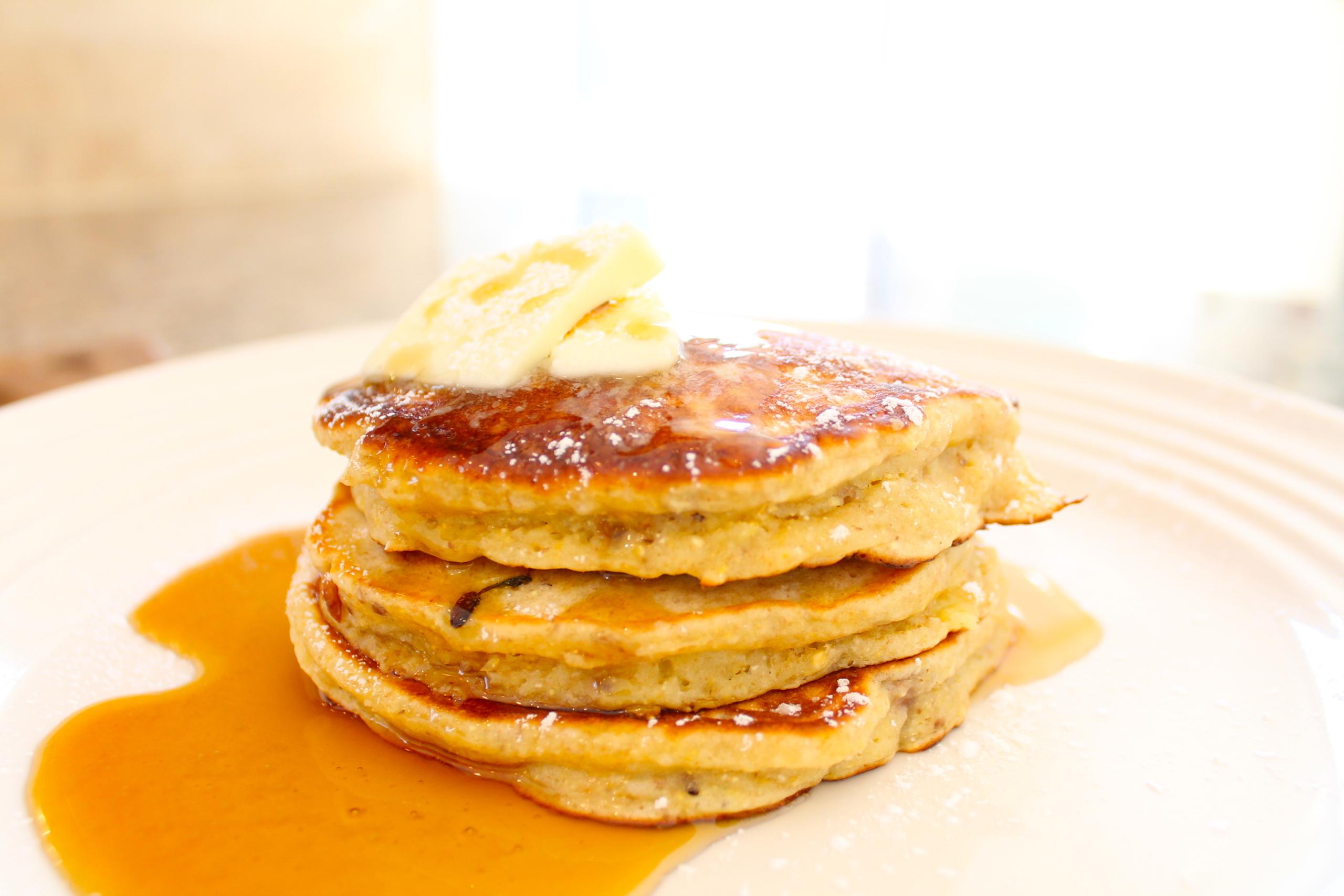 banana bacon pecan pancakes