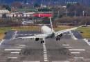 Видео: Тревожные посадки самолетов в Бирмингеме.