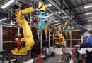 Китайская компания Foxconn заменила 60 тыс. рабочих роботами.
