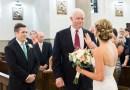 Невесту к алтарю повел мужчина с сердцем ее отца.