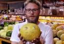 Видео: Сет Роген разыграл посетителей супермаркета живыми продуктами.