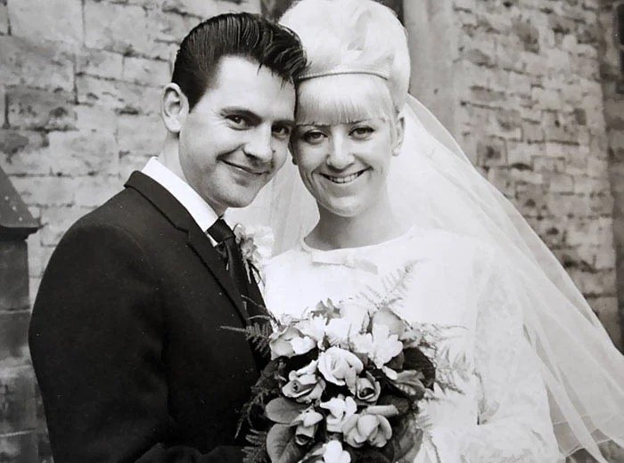 couple-wedding-clothes-50th-anniversary-carole-ann-jim-stanfield-vinegret-4