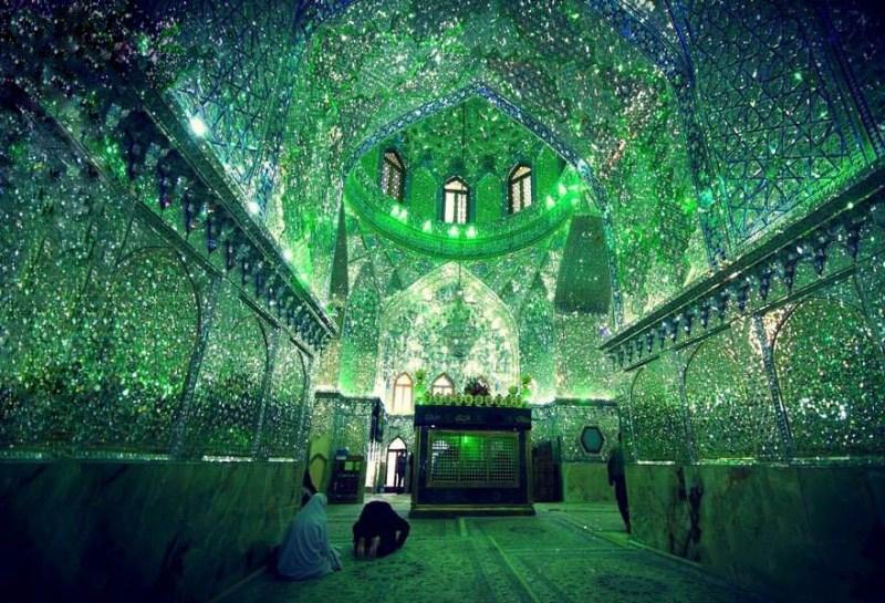 emerald-tomb-ceiling-shah-cheragh-shiraz-iran-vinegret-3