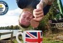 Банджи-джампер прыгнул с высоты в 70 метров и обмакнул печенье в чай. [Видео]