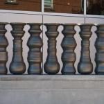 Художник создает необычные сосуды из керамики, которые при правильном их расположении образуют оптическую иллюзию.