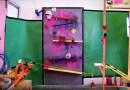Видео: Потешная машина Голдберга, состоящая из секс-игрушек и поздравляющая с Новым Годом.