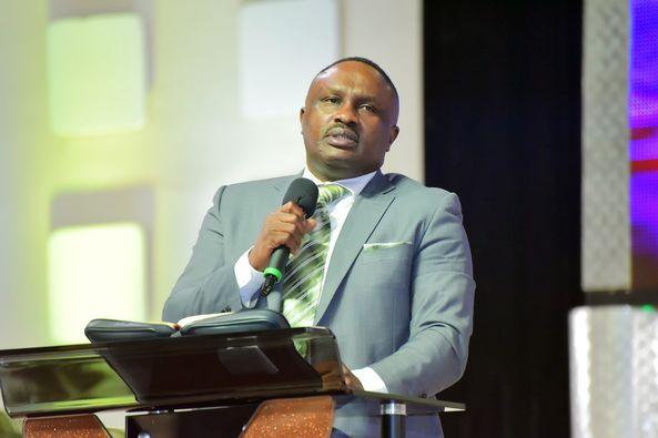 Pastor Thomas Kula