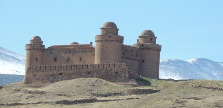 Um castelo avermelhado. Conheça o Calahorra – Granada/Espanha