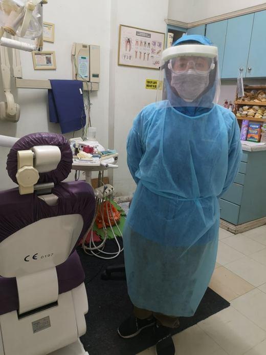PPE wear by a dentist (Cebu, Philippines)
