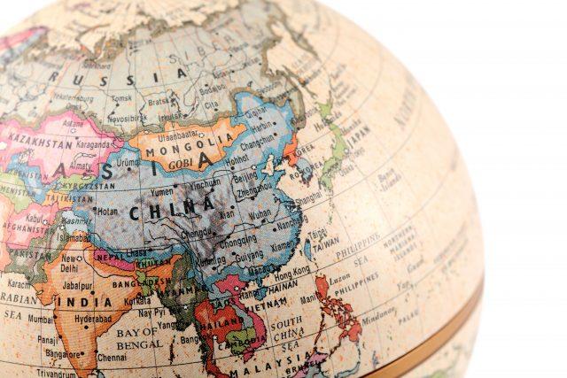 India-and-China-640x427