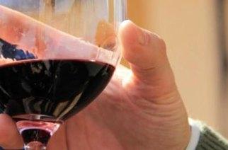 L'aiuto dopo un infarto?  In 2 bicchieri  di vino al giorno