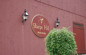 Sharpe Hill Vineyard, Pomfret, CT / Photo: Marguerite Barrett