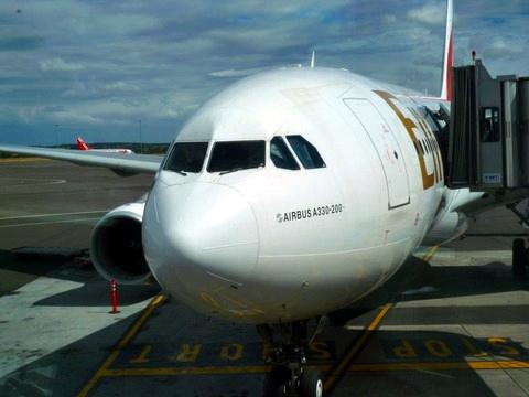 终于踩在纽卡斯尔的地面上了,给A330留个影吧