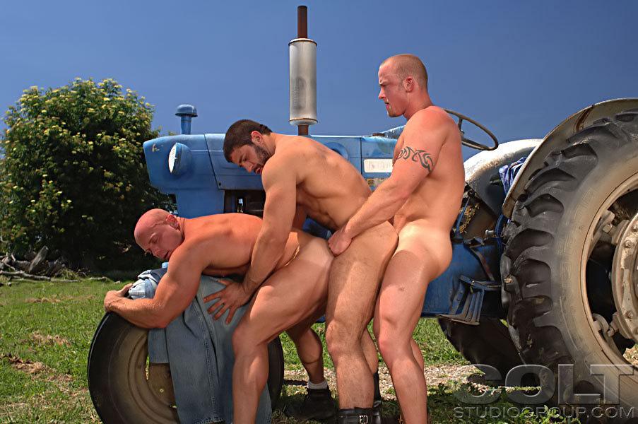 Carlo Masi Luke Garrett Gage Weston gay hot daddy dude men porn Man Country