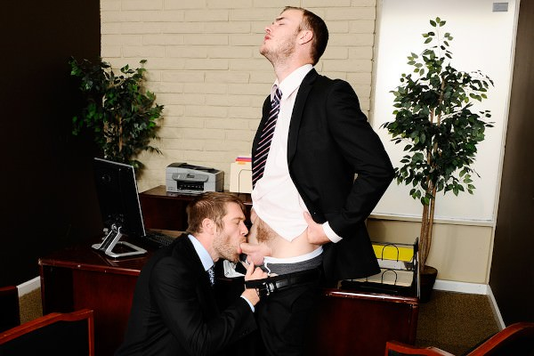 Christian Wilde fuck Colby Keller gay hot daddy dude men porn Gay Office
