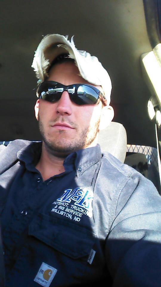 sexy hot dudes guys men str8 sexting cruising trucker