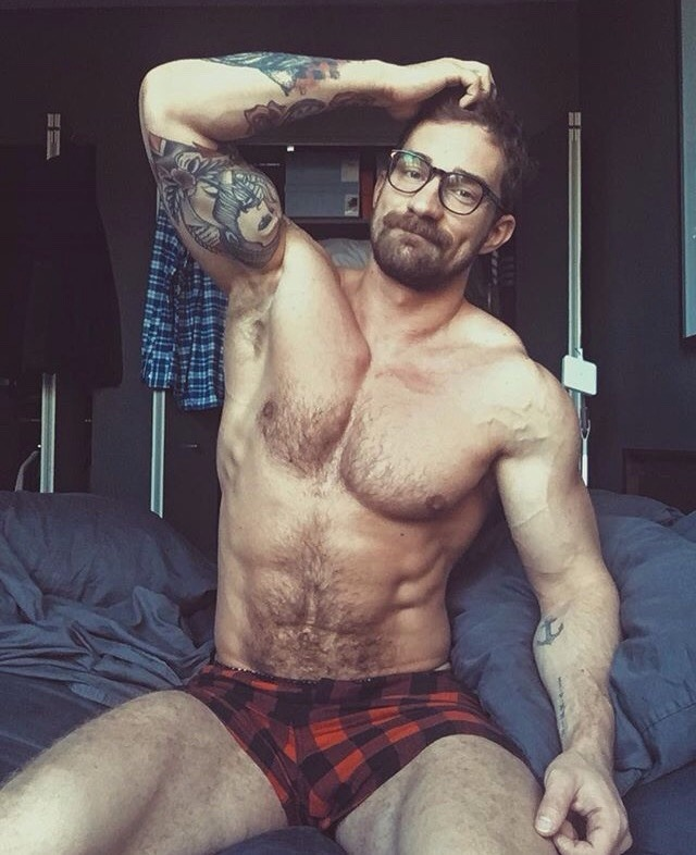 gay hot daddy dude men porn str8 cruising sexting armpit